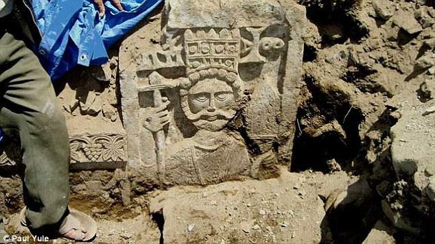 Akeolog Menemukan Pahatan Kerajaan Kristen / Dailymail